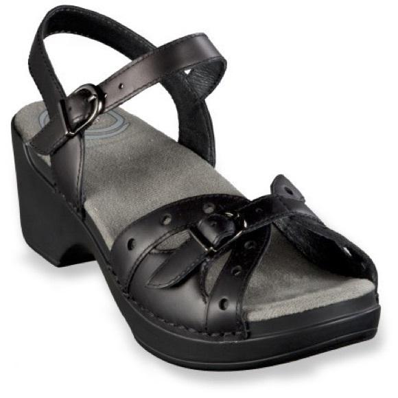 Dansko black sissy leather strap sandal